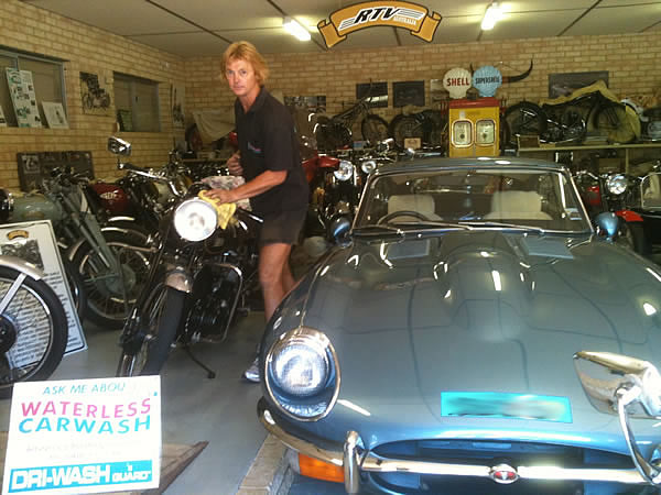 Fortunately, as usual theDri Wash Waterless Carwashremoved the problem leaving areal shineon hisantique Vincent's, BSA'sandTriumph's.